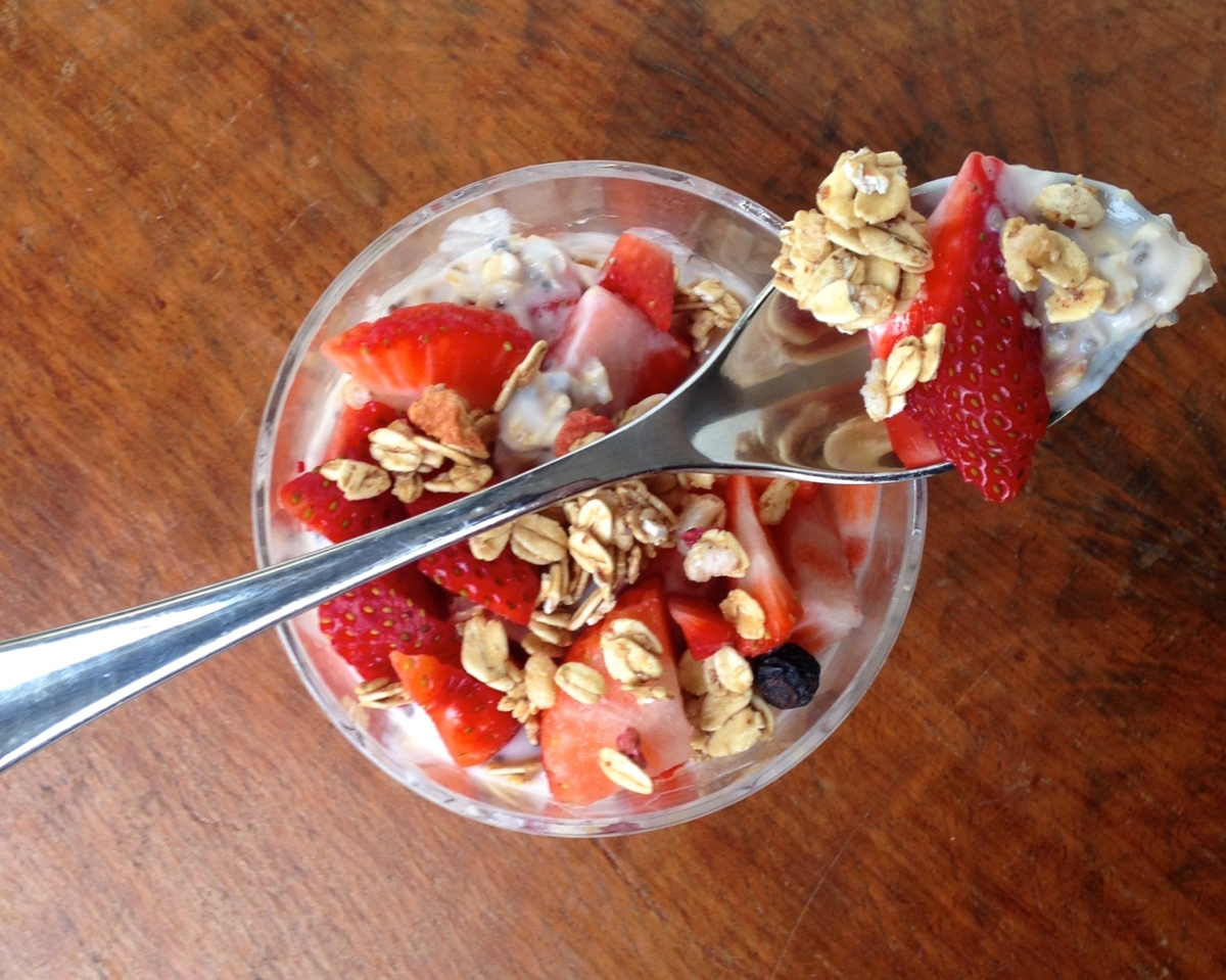 Strawberry Kefir Oats