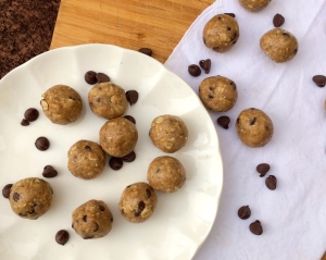 Oatmeal Cookie Dough Balls